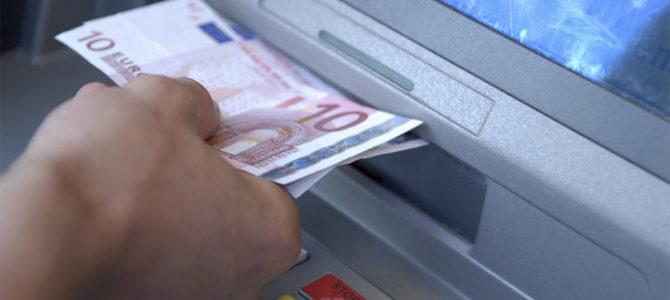 Nuove norme sui prelievi bancari: limiti e rischi
